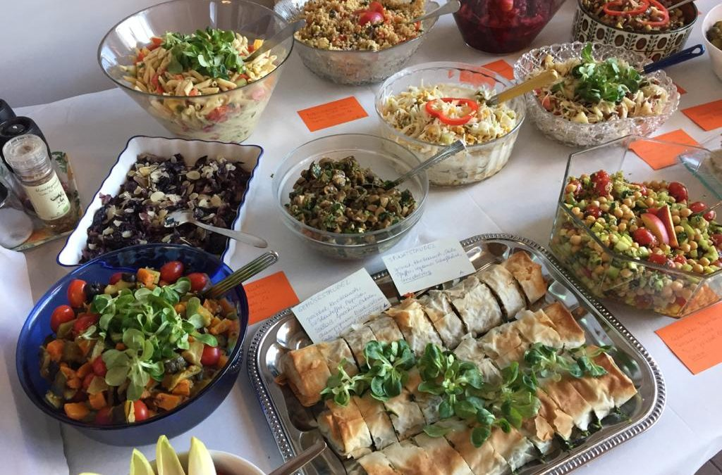 Vegane Salat-Ideen mit Obst